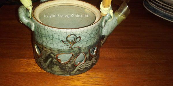 Somayaki ware tea pot and lid