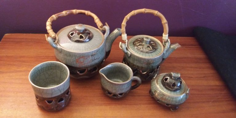 """Mix and Match Soma Ware """"Hearts and Horses"""""""